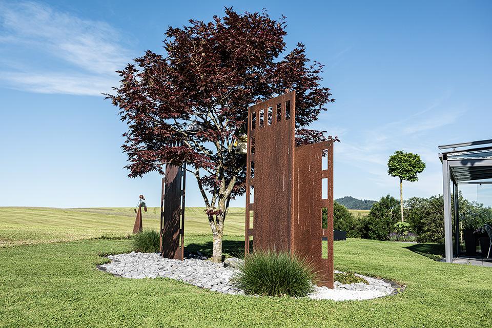 Daniel Kaelin AG, Tief- und Landschaftsbau, Gartengestaltung, Metal und Baum